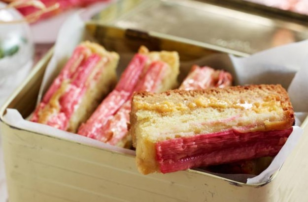 Rhubarb and custard cake bars