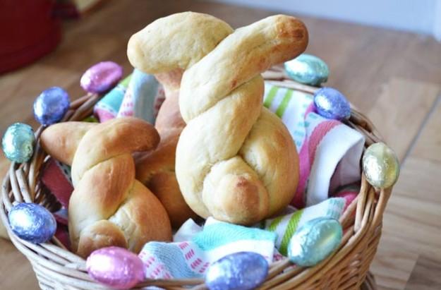 Marmite Easter bunny buns