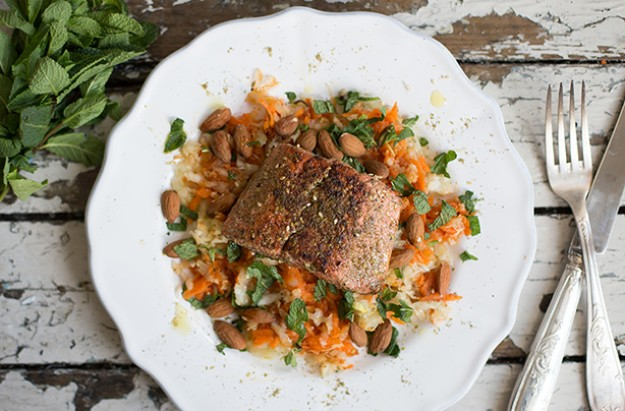 Za'atar salmon with Shaved Fennel, Carrot and Almond Salad