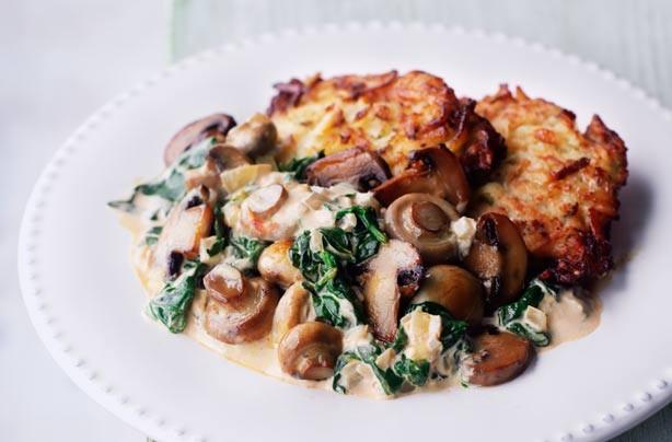 Creamy mushroom and spinach stroganoff