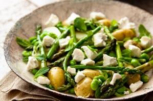New potato and asparagus salad