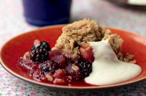 Hairy Bikers' apple and blackberry crumble