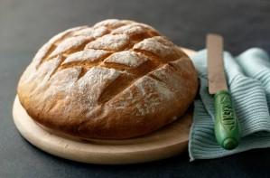 Paul Hollywood's crusty cob loaf