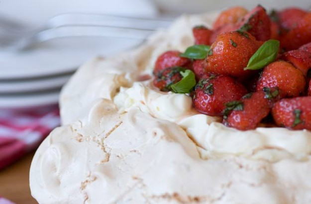 Gino D'Acampo's strawberry pavlova