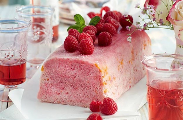 Slimming World's iced raspberry and orange parfait