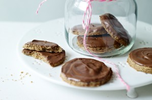 Homemade Chocolate Digestives
