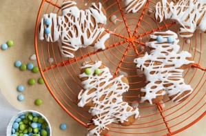 Gingerbread mummies