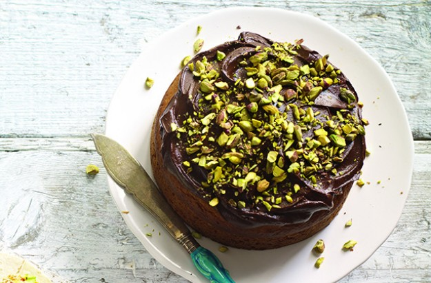 pistachio cake with avocado icing