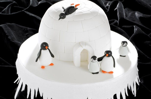 Coolest igloo Christmas cake