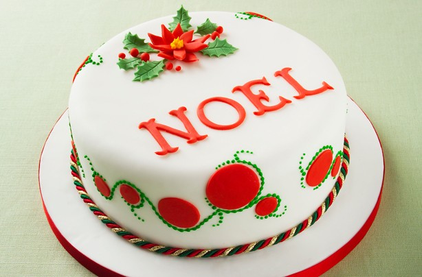 40 Christmas cake ideas - Poinsettia design Christmas cake ...