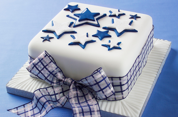 Christmas Cake Decoration With Stars : How to make a star design Christmas cake - goodtoknow