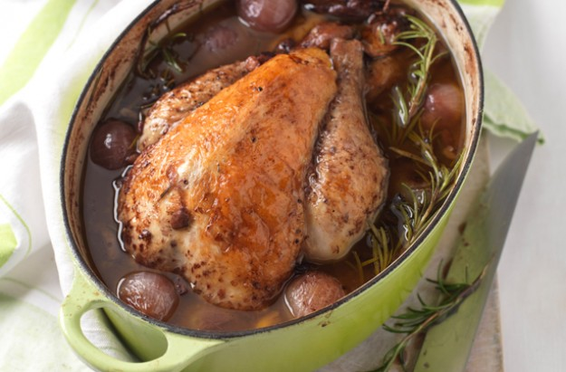 Guinea fowl with rosemary, red wine and mushrooms