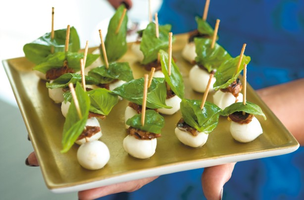 50 quick and easy canapes pisa mozzarella goodtoknow for Mozzarella canape