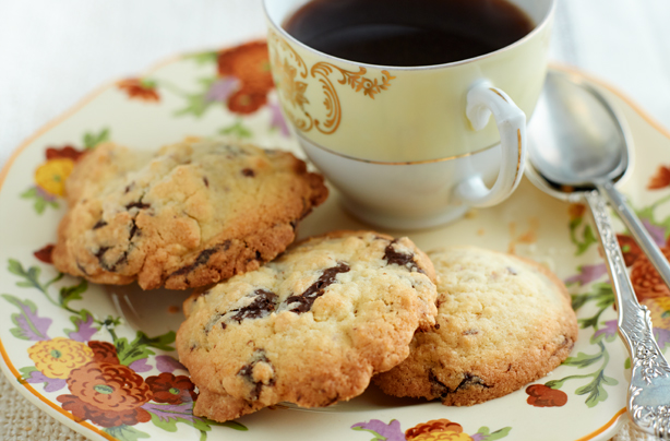Easy chocolate cookie recipes uk