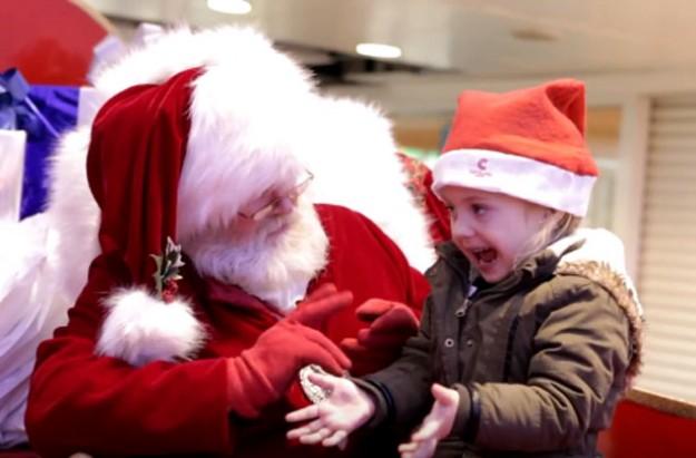 Sign language Santa viral video