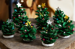 Pine cone Christmas tree craft