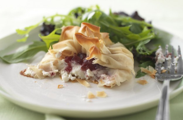 Goat's cheese and cranberry parcels