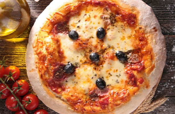 50 recipes everyone should know how to cook pizza goodtoknow. Black Bedroom Furniture Sets. Home Design Ideas
