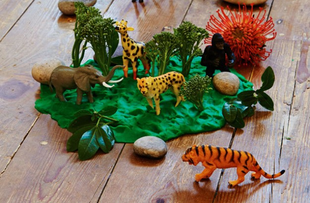 playdough jungle kids' craft