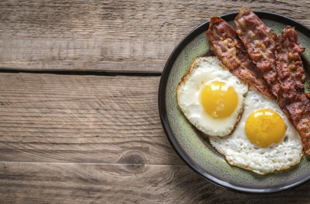 Bacon and eggs, low carb high fat diet