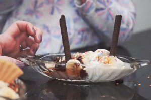 Kids Kitchen: Chocolate and banana sundaes