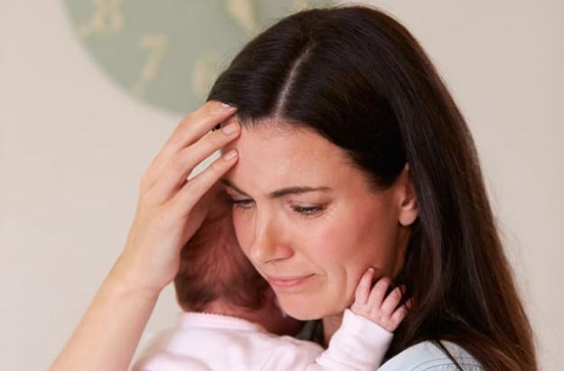 postpartum-psychosis new mum and baby