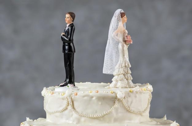 Wedding cake, couples, divorce