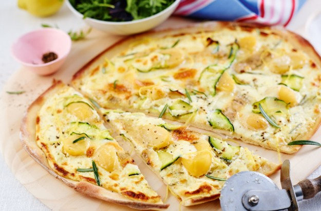 Courgette pizza bianca recipe - goodtoknow