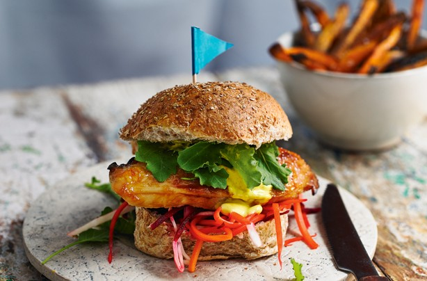 Honey chicken burger with sweet potato chips
