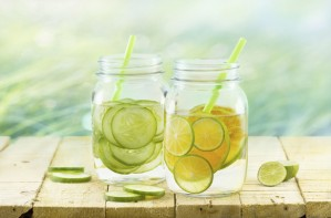 Water, fruit, detox, to get rid of cellulite