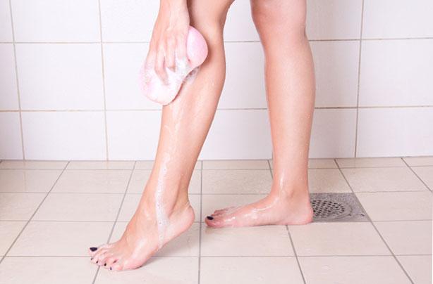 Chubby Women Shaving Legs