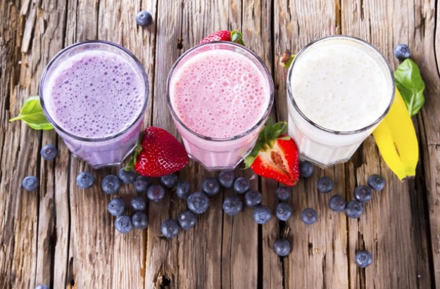 Smoothies, fruit, berries