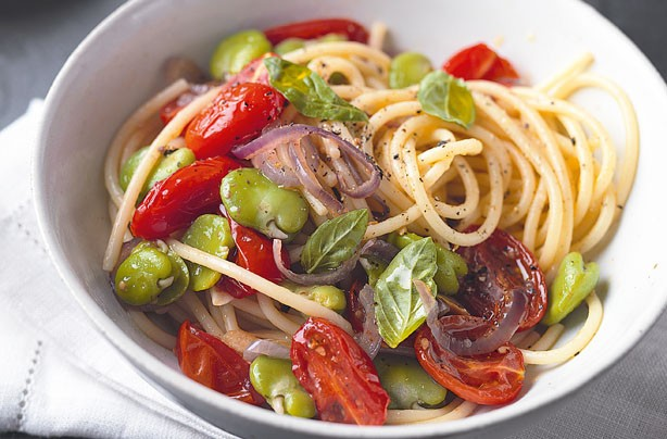 Slow roast tomato and bean pasta