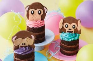 Emoji monkey cupcakes