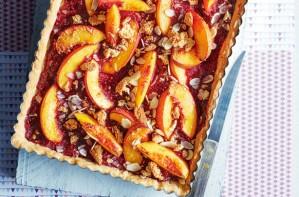 Peach and raspberry shortbread squares