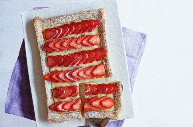 Nadiya Hussain's strawberries and cream custard tart