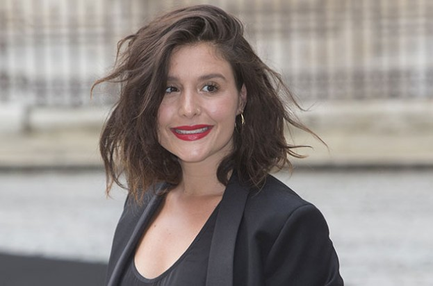 Jessie Ware gives birth
