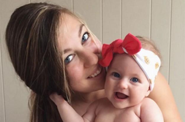 Kelly Stanley, breastfeeding post