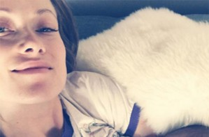 Olivia Wilde breastfeeding
