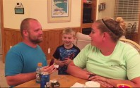 man proposes to girlfriend speak out