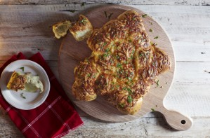 tear n share garlic cheese star bread