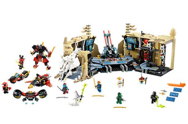 top christmas toys 2016 Lego Ninjago Samurai X Cave Chaos