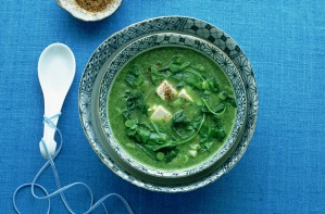 Spinach soup with horseradish
