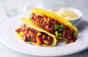 Smokey veggie chilli tacos