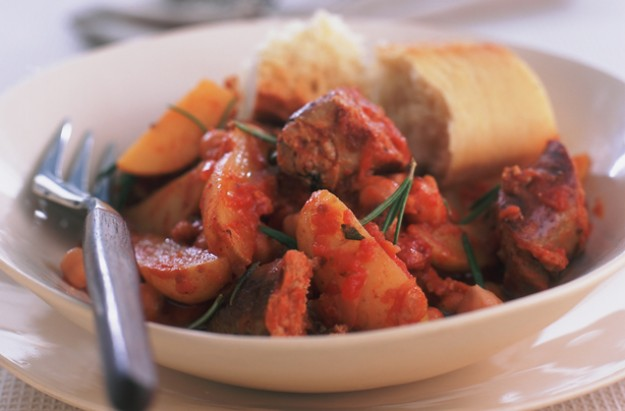 Slow-cooked sausage casserole