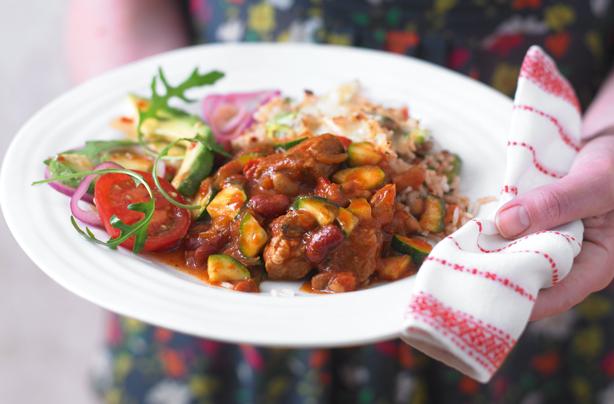 Slow cooker veggie chilli recipe - goodtoknow