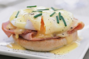 Classic eggs Benedict with Hollandaise