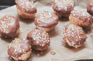 Coconut and chocolate party bites