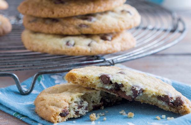 Easy chocolate chip cookies recipe - goodtoknow