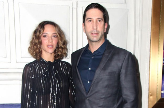 david schwimmer and wife announce they are 39 taking time. Black Bedroom Furniture Sets. Home Design Ideas